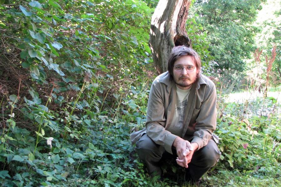 Runoilija Tommi Parkko työskenteli Saaren kartanossa syksyllä 2009. Kuva: Pirre Naukkarinen